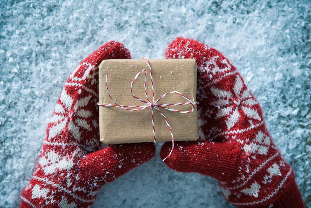 7 pomysłów na świąteczny prezent dla osób z branży reklamowej